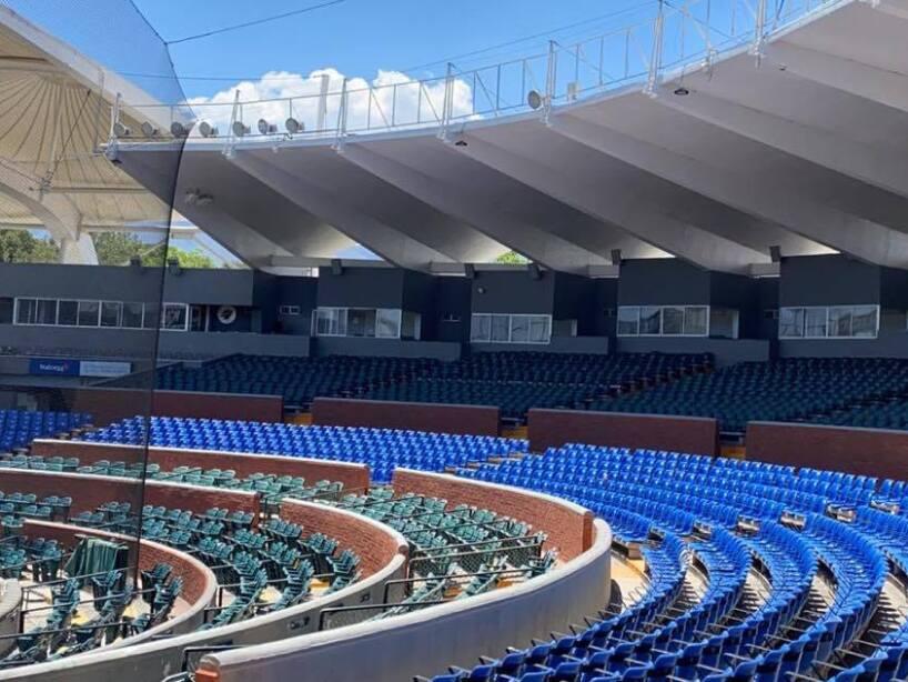 Aspecto de la fachaleta de ladrillo en el Estadio Madero 3.jpg