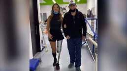 Daniella Álvarez camina por primera vez sin muletas al lado de su padre
