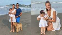 La bebita de Adrián Uribe visita el mar y disfruta de la arena en sus piecitos