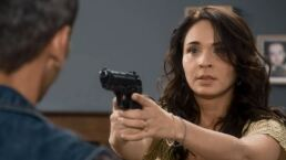 Capítulo 73: Carolina frena las amenazas de Vicente