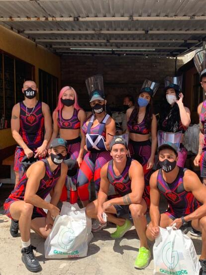 Los participantes del reality de concursos 'Guerreros 2020' y Fundación Televisa unieron fuerzas para apoyar a quienes se han visto más vulnerables por la pandemia del Covid-19, por lo que entregaron 400 despensas para ayudar a una comunidad de pepenadores.