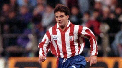 Hat trick, nombre denominado cuando un jugador anota tres goles en un partido.<br>Esto lo consiguió el mexicano Luis García con el Atlético de Madrid durante su segunda temporada con los Colchoneros.</br>