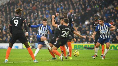 Un gol de Jahanbakhsh al 84 le dio el empate 1-1 al Brighton; Azpilicueta abrió el marcador para el Chelsea.