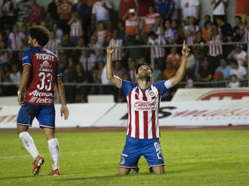 Los de Luis Fernando Tena logran la victoria con goles de Oribe Peralta y Alejandro Mayorga.