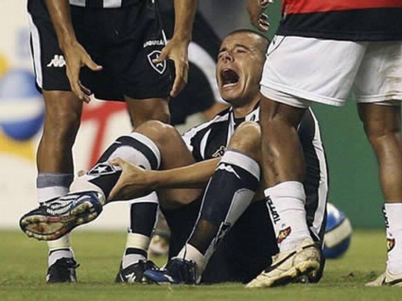 Lesiones, Luciano Almeida.jpg