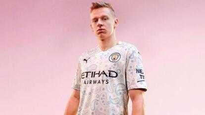 Manchester City presentó de manera oficial su tercer jersey   La novedosa camiseta busca hacer un tributo a la herencia musical y cultural de Manchester.