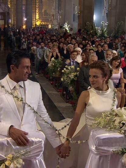 Mañana es para siempre: ?Eduardo Juárez? (Fernando Colunga) y ?Fernanda Elizalde? (Silvia Navarro) lograron vencer a ?Bárbara Greco? (Lucero) y sellaron su amor frente al altar.
