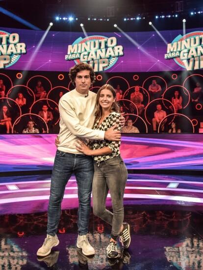 Michelle Renaud y Danilo Carrera se tomaron un descanso de las grabaciones de su nueva telenovela 'Quererlo Todo' para poder jugar en Minuto Para Ganar VIP, con Sandarti.