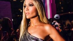 Jennifer Lopez sufre fuerte caída en concierto y se levanta como diva