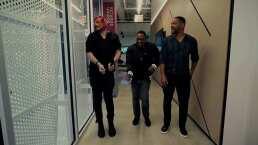 El Escorpión Dorado le enseña a bailar pasito duranguense a Will Smith