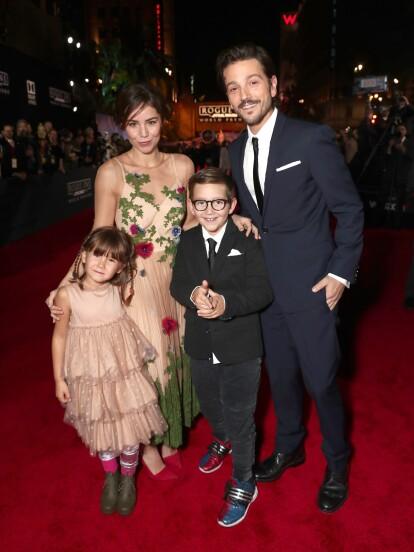 Muy pocas veces, Camila Sodi y Diego Luna dejan ver a sus hijos –Jerónimo y Fiona- en redes sociales; sin embargo, en los últimos días la actriz presumió lo grandes que están los pequeños durante un viaje a la nieve.