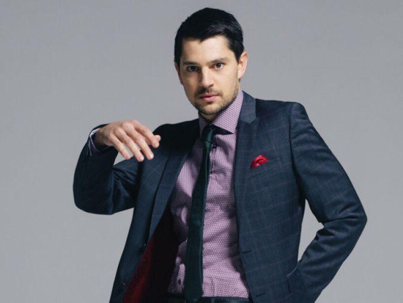 En 2002, se mudó a Los Ángeles para perseguir una carrera de actor de tiempo completo y de calidad.