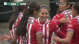 ¡Sorprende a todas en el área! Alicia Cervantes anota el 0-1 de Chivas