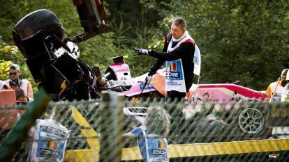 El automovilismo se viste de luto una vez más y esto ocurrió en la Fórmula 2, desde el circuito de Spa Francorchamps, luego del aparatoso accidente que involucró a los pilotos Juan Manuel Correa, Anthoine Hubert y Marino Sato, esto en la segunda vuelta de la carrera y a consecuencia del cual murió Hubert, piloto francés de 22 años del equipo Arden y campeón de la GP3 en 2018.