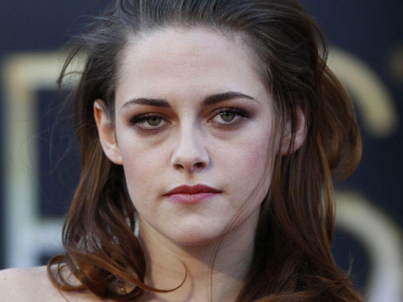 2. Kristen Stewart: Repudiada por engañar a Robert Pattinson con el director Rupert Sanders.