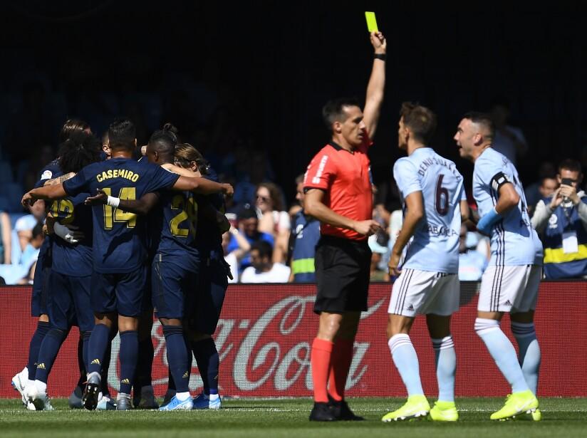 Kroos, Benzema y Lucas anotaron para Los Blancos que se quedaron con 10 hombres al 56'.