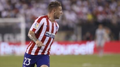 El defensor inglés, fichado en el verano por el Altético de Madrid, reveló que toma clases de español cinco veces por semana.