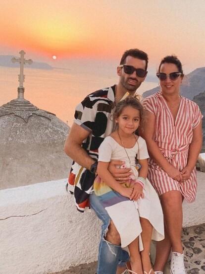 Adamari López y Toni Costa disfrutan de su tiempo libre en Grecia, compartiendo los momentos más importantes de su viaje a través de Instagram.