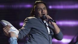 Hugo Sánchez canta 'Todos me miran' en La Voz... México