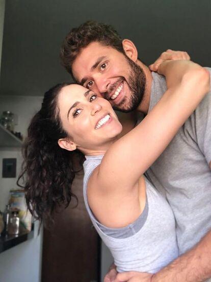 Pablo, hermano de Fernanda Castillo, conquistó a Eva Cedeño, con quien vive un tórrido romance y la cual le dedicó una tierna felicitación de cumpleaños