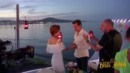 Detrás de cámaras: ¡Valeria y León tienen un apasionado encuentro!
