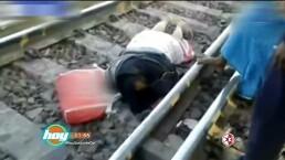 ¡Omaigá!: Mujer sobrevive después de que le pasa un tren encima