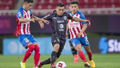 Monterrey le roba el triunfo a Chivas con gol de César Montes para firmar el 1-1 en el Estadio Akron.