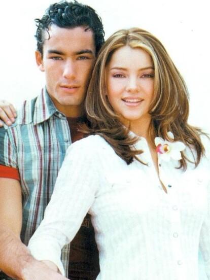 'Corazones al Límite' fue una de las telenovelas más exitosas de la barra juvenil de Las Estrellas en 2004. Ahora, a punto de qué se cumplan 17 años de su estreno, te mostramos el antes y después de famosos como Sara Maldonado, Aarón Díaz, Sherlyn, Susy Lu, Erika Buenfil, Arturo Peniche, Angelique Boyer, Belinda, entre otros.