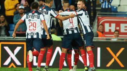Con goles de Dorlan Pavón (2 y 85), Nicolás Sánchez (8), autogol de Gerardo Arteaga (54) y gol de penal de Vincent Janssen (70), Monterrey golea y pone un pie en las semifinales del Apertura 2019.