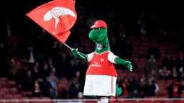 Özil se ofrece a pagar el sueldo de la botarga del Arsenal