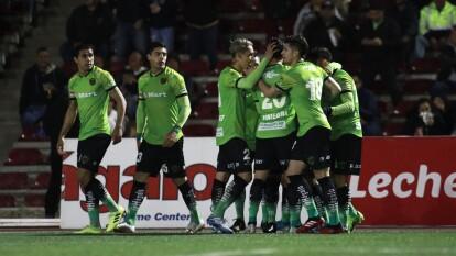 Gabriel Caballero y sus pupilos se plantan en la Semifinal del torneo tras golear 3-0 a los de Patiño.   Bastaron diez minutos de juego para que Flavio Santos pusiera a Juárez al frente en el marcador.