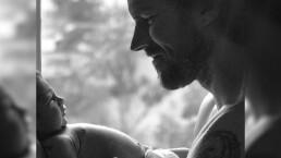 """Esposo de África Zavala muestra por primera vez a su bebé: """"Muero de amor"""""""