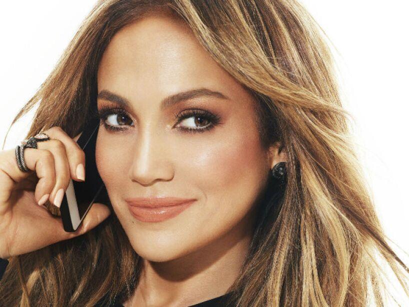 4. Jennifer Lopez: Fue demandada por una azafata, quien alegó que el perro de la actriz la mordió en 2006.