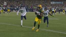 ¡Un arcoíris para touchdown! Aaron Rodgers conecta con Adams