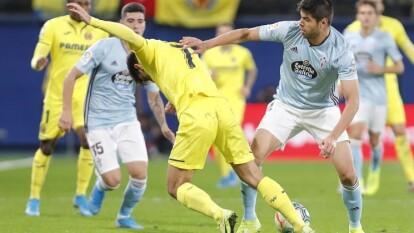 Nestor Araujo contuvo el peligro del Villarreal. Celta se llevó los tres puntos con goles de Sisto (2) y Aspas en el 1-3 de visita.