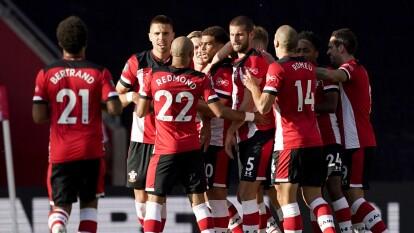 Con un gol desde un tercio del campo, el Southampton sorprende a todos y se lleva los puntos en casa frente al Manchester City.