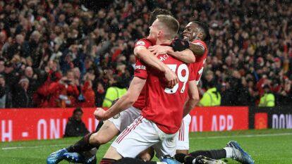 Con golazo de último minuto, Manchester United se lleva el derby 2-0 ante el City de Pep Guardiola. Excelente defensa de los Red Devils.