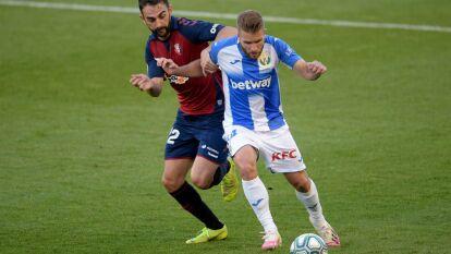 Leganés no pudo sacar puntos en Osasuna y se diluye la permanencia   Osasuna derrotó 2-1 a Leganés con gol de último minuto en El Sadar; el conjunto del 'Vasco' está cerca de la segunda.