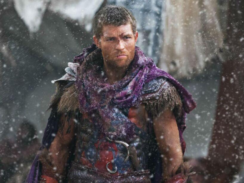 Gracias a su fuerza física fue comprado por un mercader para la escuela de gladiadores de Capua de Léntulo Batiato.