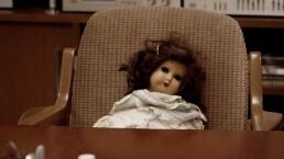 C9, T4: Peinando a la muñeca