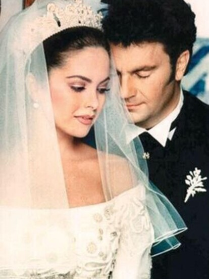 La boda de Lucero y Manuel Mijares se convirtió en uno de los primeros enlaces matrimoniales en ser transmitido por televisión. Mira en fotos cómo fue este evento hace 24 años.