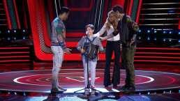Lucero, Carlos y Melendi ayudan a participante a continuar con su audición en La Voz Kids