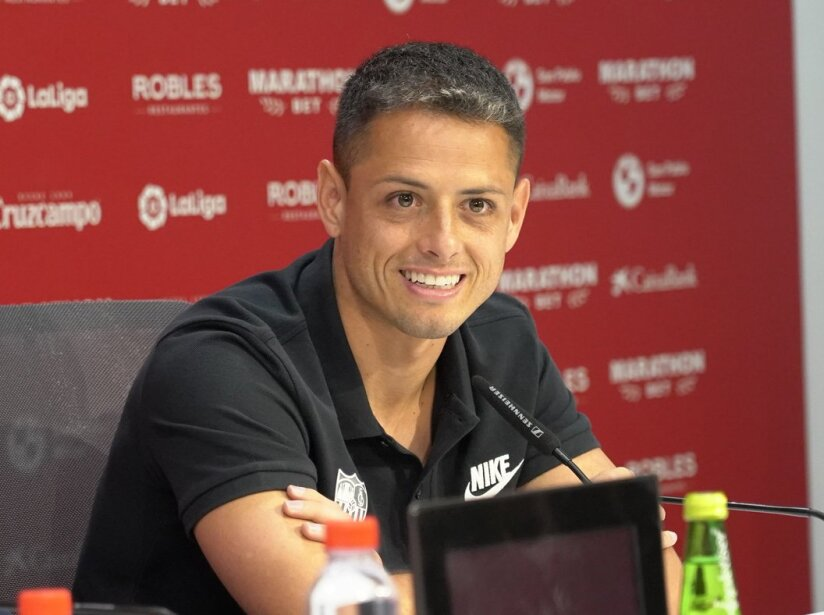 Chicharito sonrie.jpg