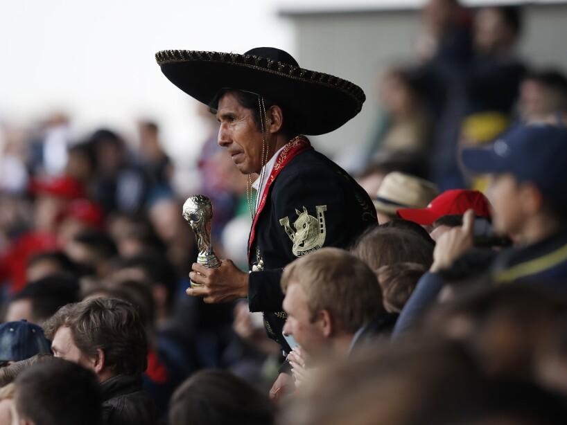 La afición mexicana sorprende a rusos