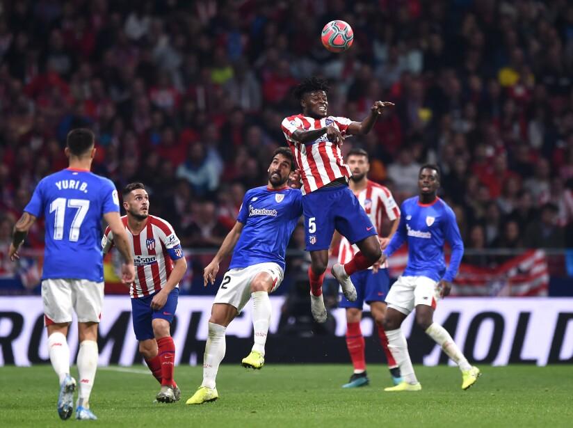 Héctor Herrera entró al minuto 66'. Ñíguez (28') y Morata (64') marcaron para los locales.