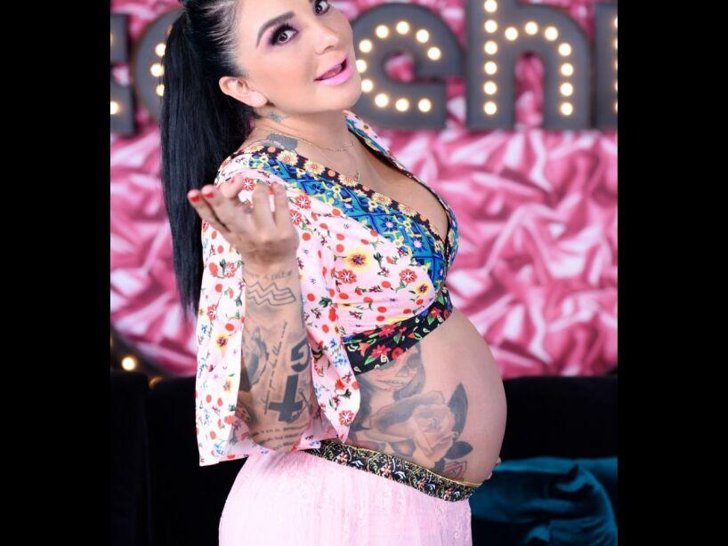 A punto de dar a luz, así lucen los tatuajes de La Wanders