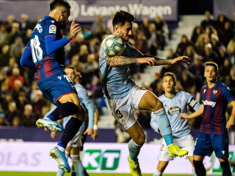En la Jornada 18 de La Liga, Celta cayó 3-1 como visitante y se mantiene en 14 puntos en zona de descenso. Aspas (12') abrió el marcador y Martí (60',70') empató el encuentro y le dio la vuelta. Mayoral (91') puso el 3-1 definitivo.