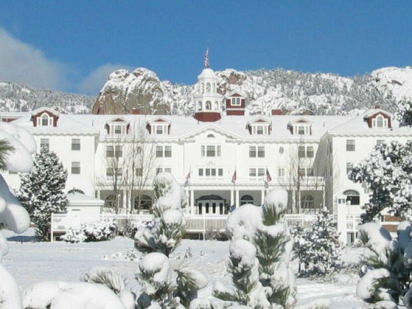 3. Stanley Hotel: Gracias a la cinta de El Resplandor se volvió famoso; en este alojamiento ocurren hechos paranormales.