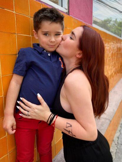 Ariadne Díaz dejó boquiabiertos a sus millones de seguidores al compartir una fotografía de su infancia, la cual tomó relevancia en redes sociales por lucir idéntica a su hijo Diego.