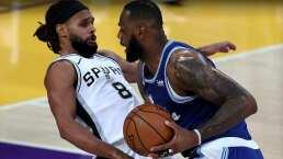 Los líderes Lakers y 76ers perdieron sus partidos del jueves